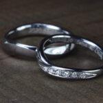 """<span class=""""title"""">かっこいい黒さと高い希少性、アレルギーにも安全な タンタルの結婚指輪</span>"""